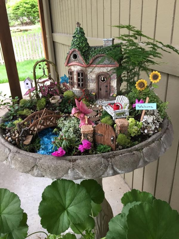 diy jardin de fée avec maison de fée balançoire pont banc