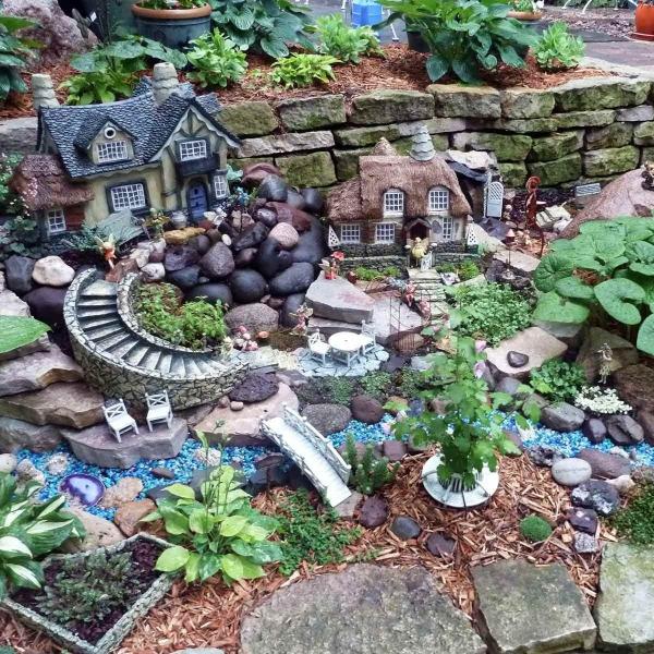diy jardin de fée avec petit pont meubles de patio et passerelle