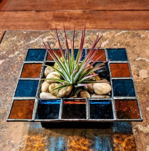 diy jardinière de table décorée de verre pour vitrail