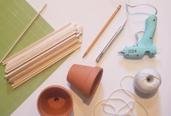 fabriquer un pot de fleurs outils de bricolage