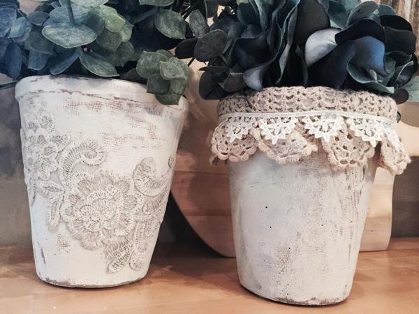 fabriquer un pot de fleurs peindre en blanc