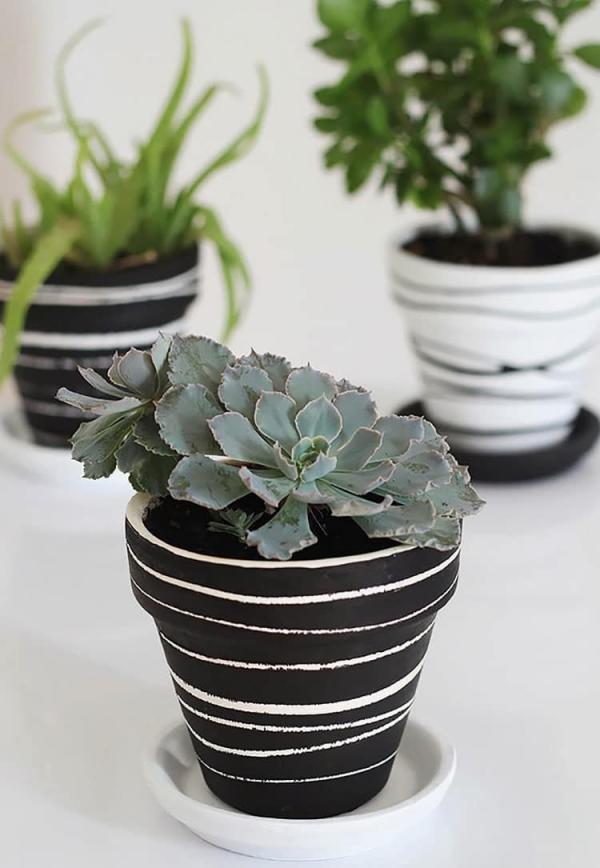 fabriquer un pot de fleurs peindre le pot