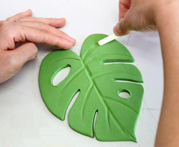feuille de monstera en pâte verte