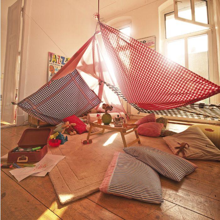idée amusante cabane intérieur enfant