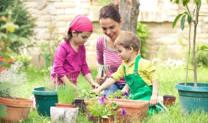 jardinage pour enfants tête à gazon