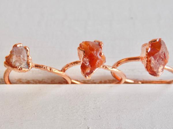 joaillerie éthique tendance bagues cornaline brute et cuivre recyclé
