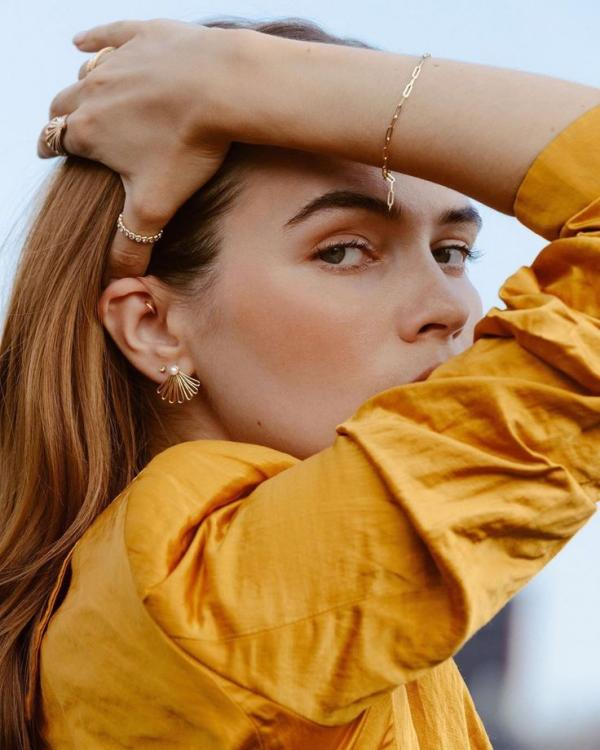 joaillerie éthique tendance boucles d'oreilles bracelets et bagues Aurate
