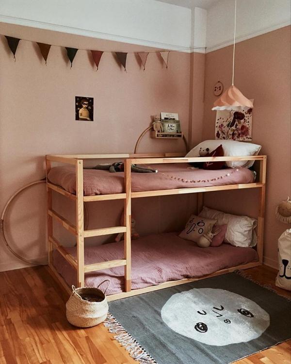 lit enfant mezzanine chambre en rose