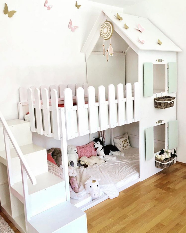 lit enfant mezzanine comme une maison forestière