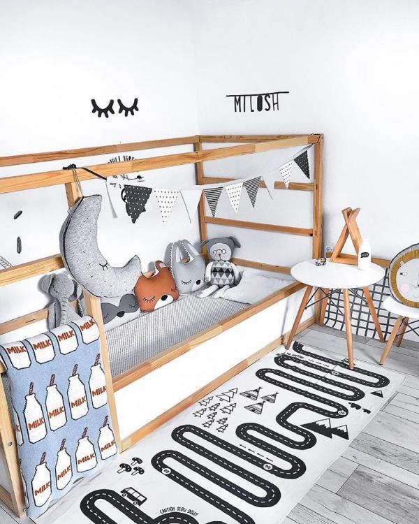 lit enfant mezzanine décoration d'animaux en peluche