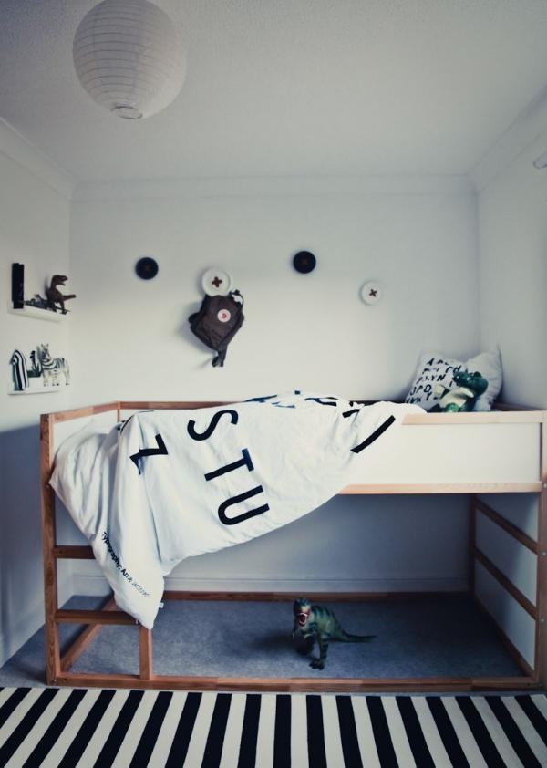 lit enfant mezzanine espace vide sous le lit