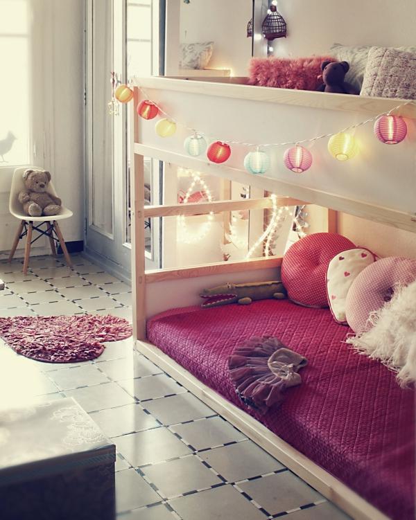 lit enfant mezzanine petit tapis en forme de coeur