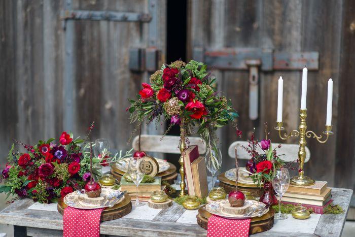mariage style rustique déco de table rondin de bois déco idées inspirantes pour créer une ambiance unique