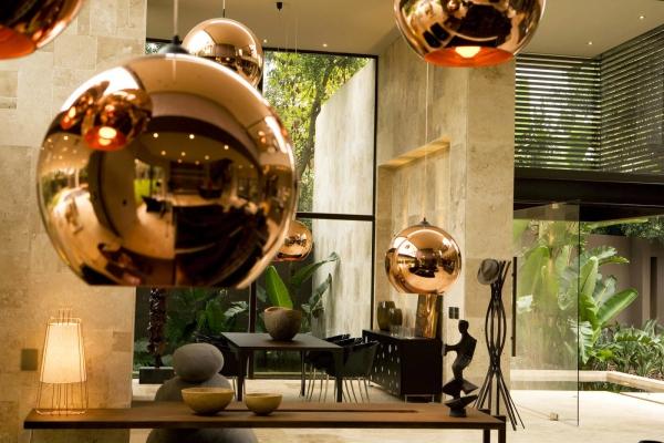 or couleur dans l'intérieur belle lampe suspendue
