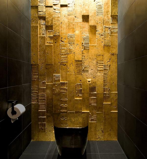 or couleur dans l'intérieur salle de bain magique