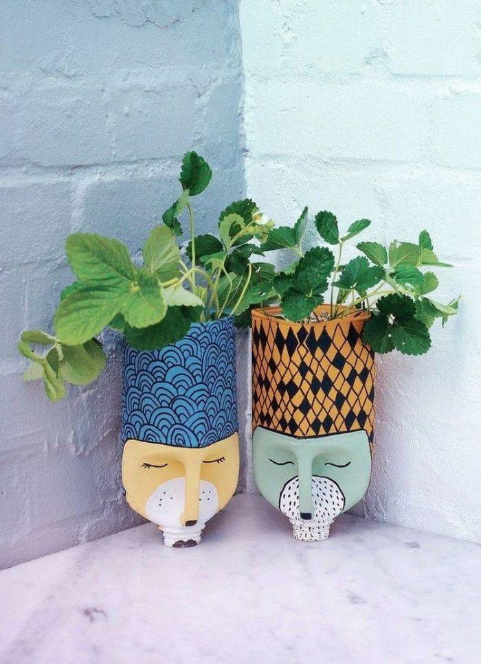 pot de fleurs amusant recyclage bouteille plastique