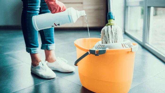 remplacer l'eau de javel vinaigre blanc désinfectant