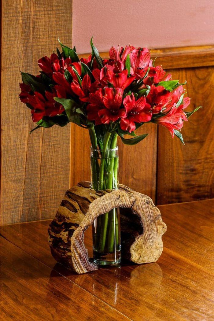 vase unique rondin de bois déco idées inspirantes pour créer une ambiance unique