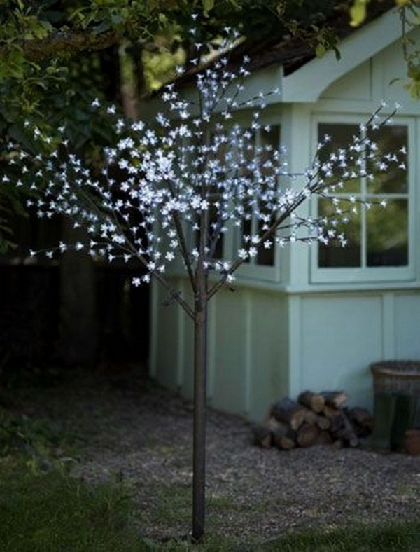 éclairage de jardin DIY comme un arbre fleuri