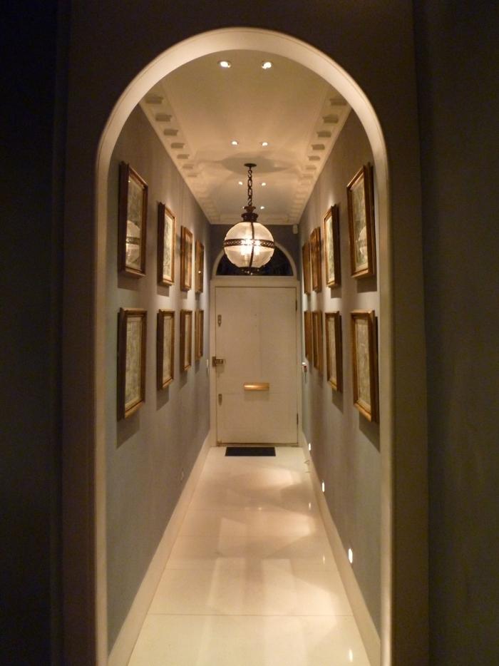 éclairage entrée et couloir espace étroit et long