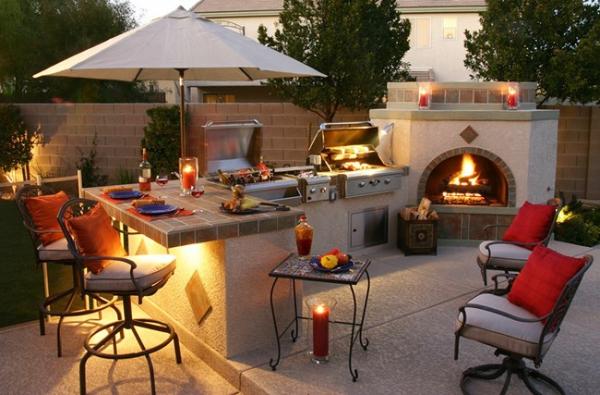 aménager un coin barbecue cheminée et deux barbecues