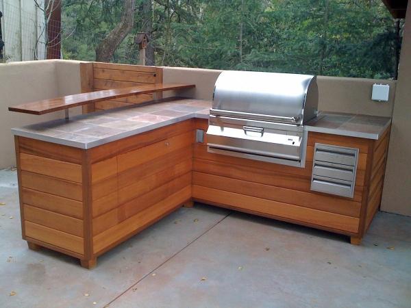 aménager un coin barbecue le minimum nécessaire