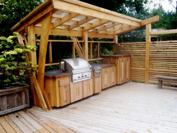 aménager un coin barbecue un abri en bois