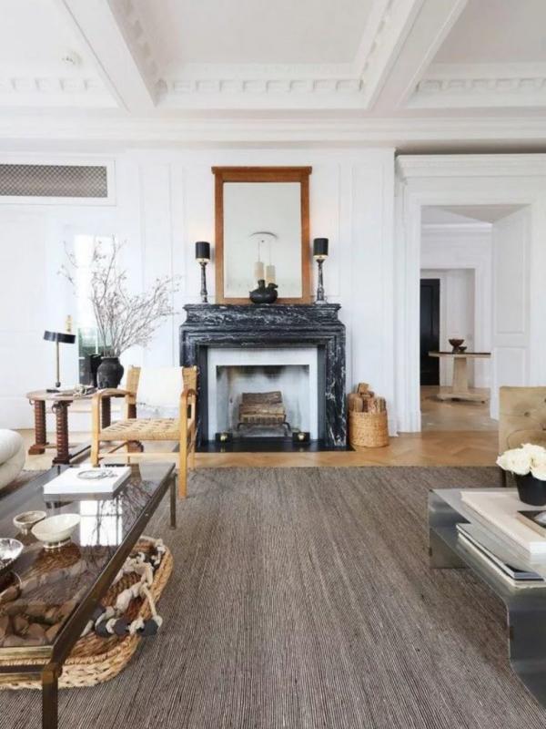 ameublement maison cheminée et miroir