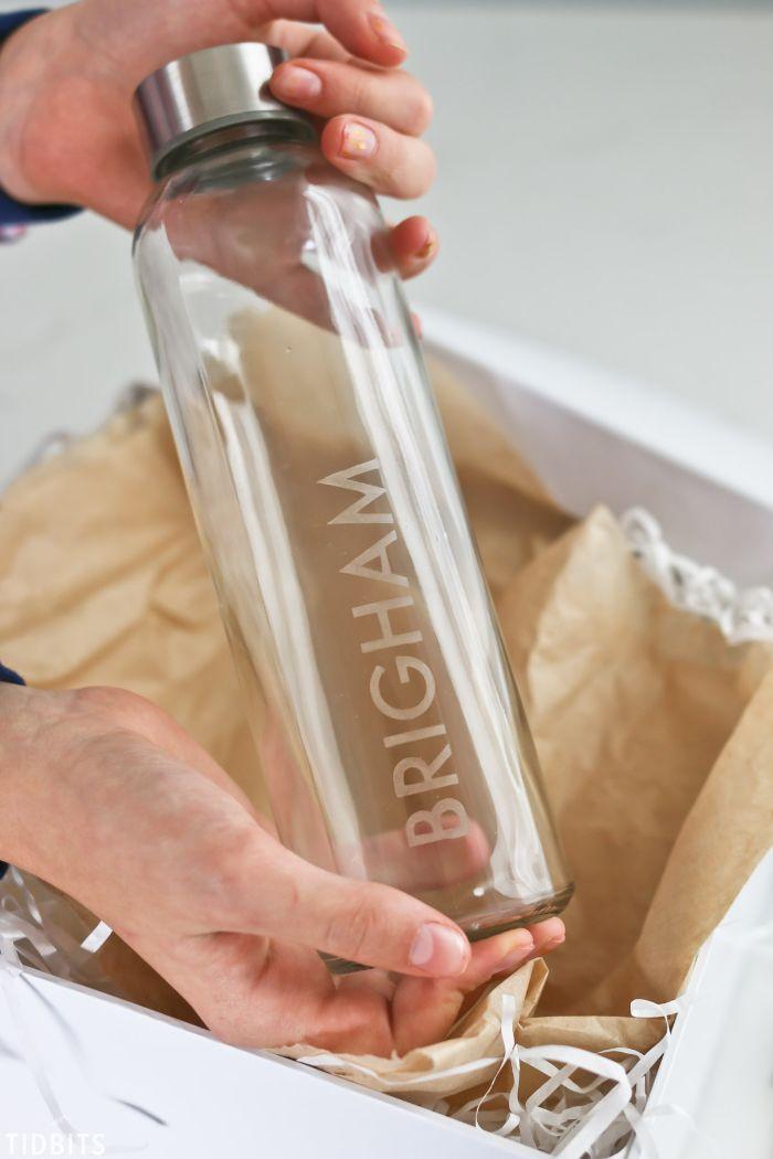 bouteille d'eau déco unique gravure chimique sur verre