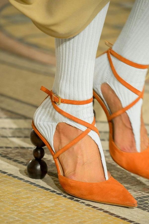 chaussures pointues femme des talons insolites