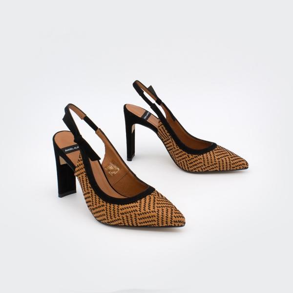 chaussures pointues femme du type escarpins