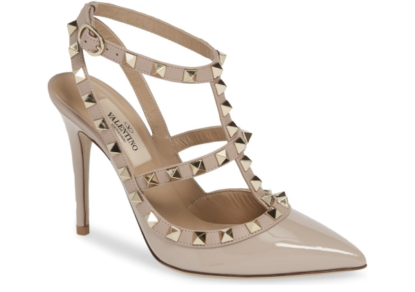 chaussures pointues femme petites pyramides