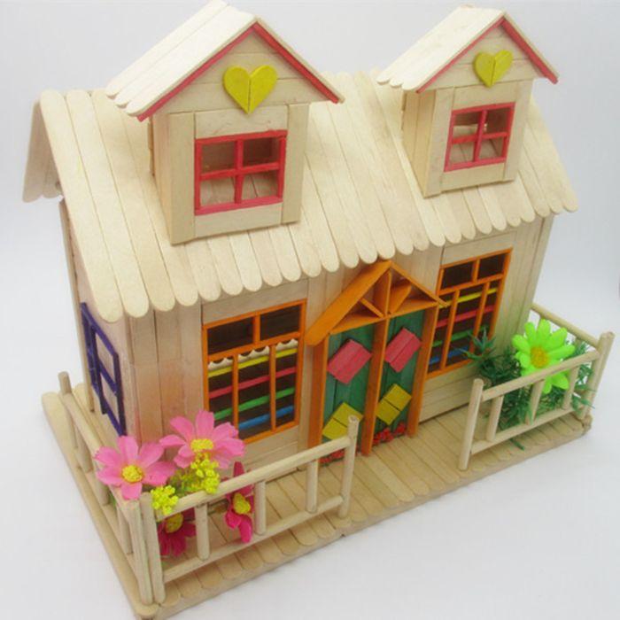 construire une mini maison pour votre enfant idée avec bâton de glace en bois