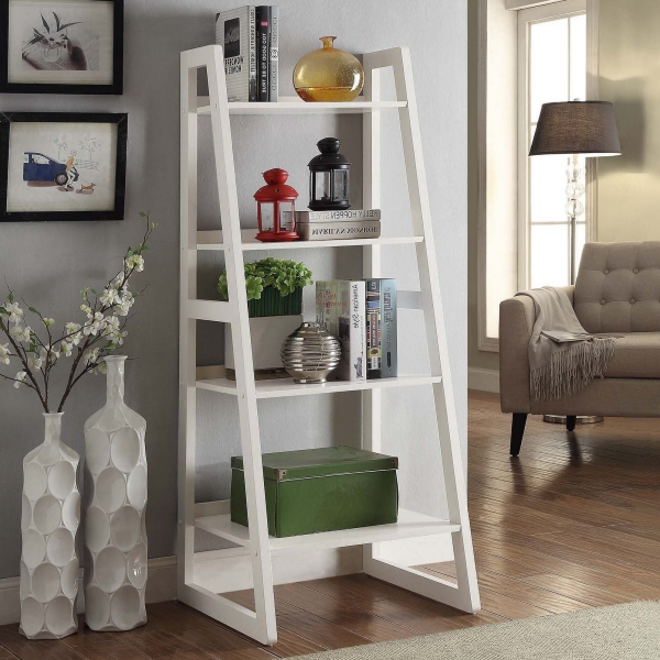 déco échelle bois peinte en blanc