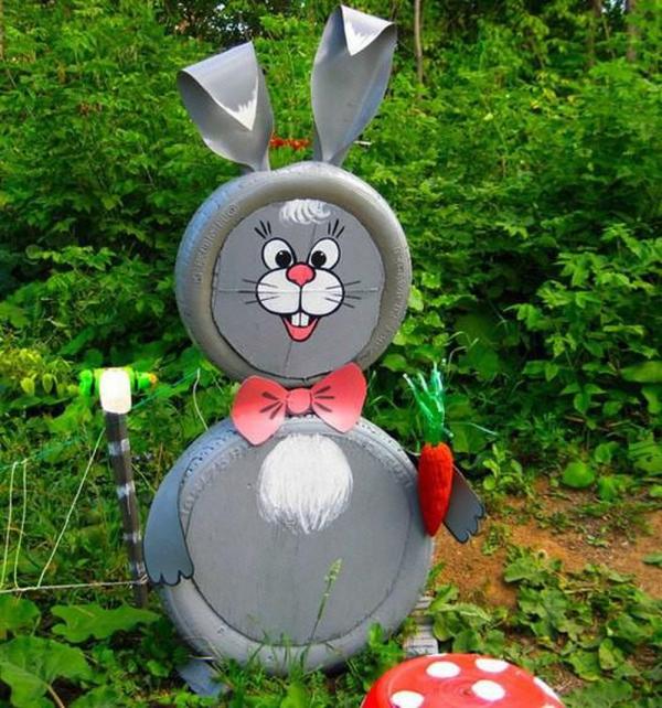 déco pneu recyclé lapin gris à la carotte