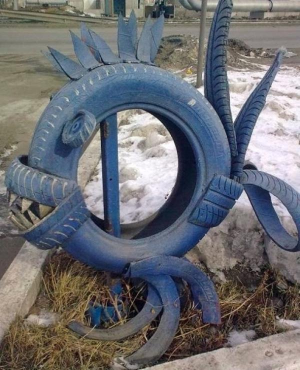 déco pneu recyclé piranha féroce