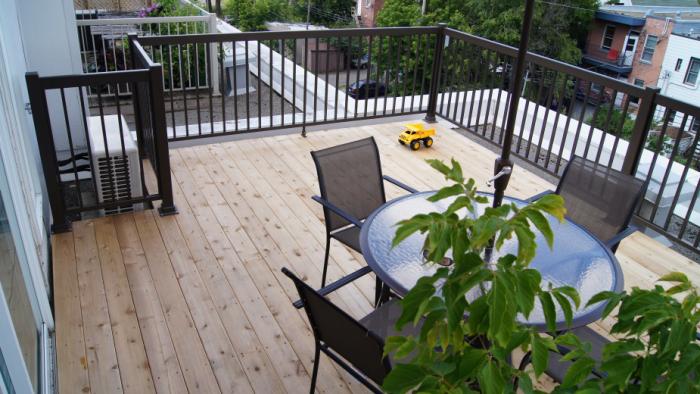 décoration terrasse extérieure moderne meubles légers