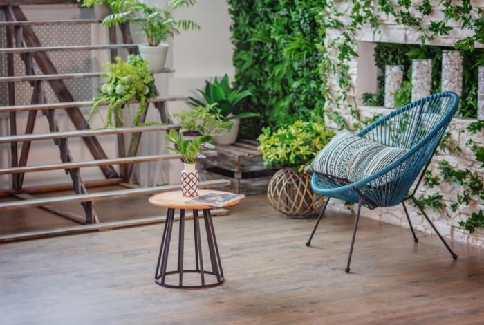 décoration terrasse extérieure moderne petite table basse