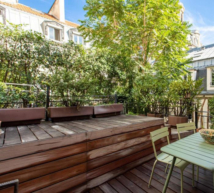 décoration terrasse extérieure moderne planches sur le sol