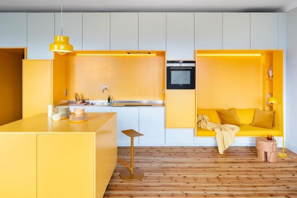 design d'intérieur couleur vive écarlate