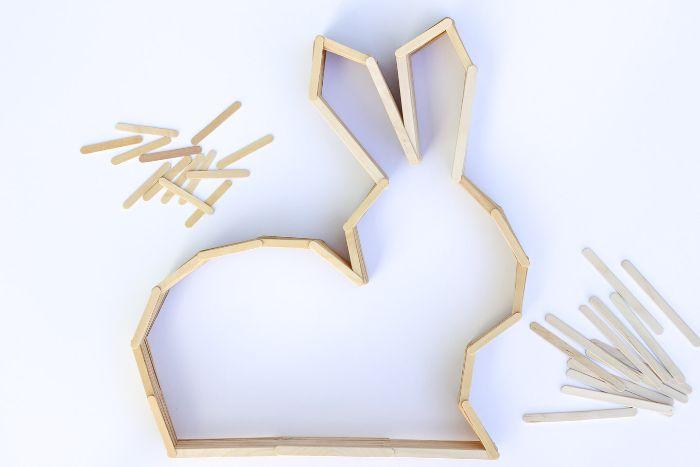 diy déco murale lapin à partir de bâton de glace en bois