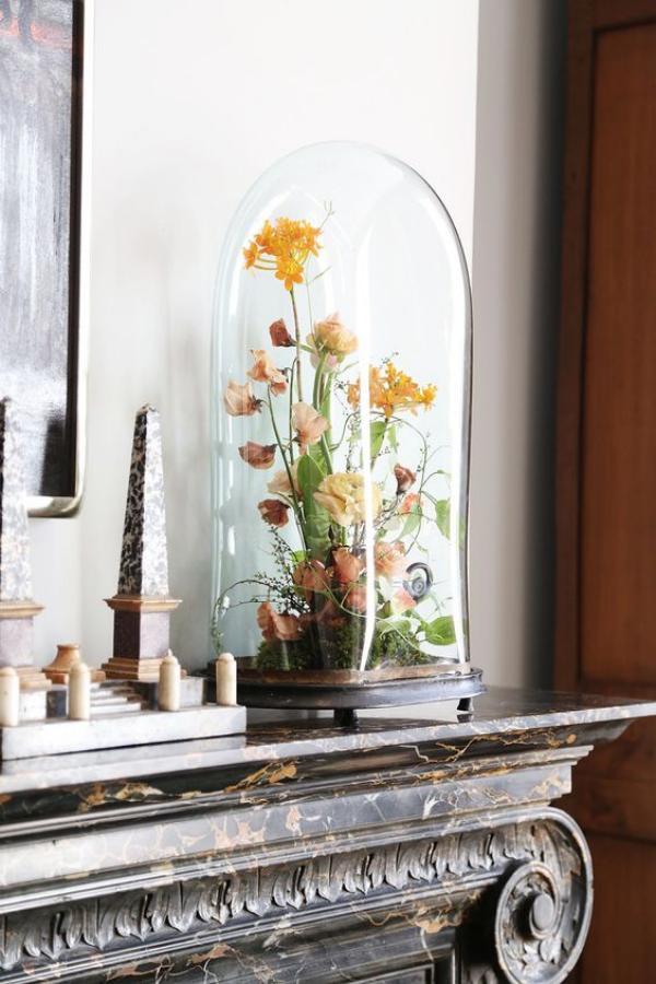 diy fleurs séchées sous cloche comme déco cheminée