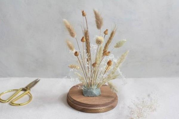 diy fleurs séchées sous cloche créer du volume