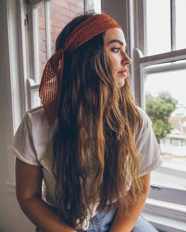 hippie look coiffure bohème foulard cheveux 2020