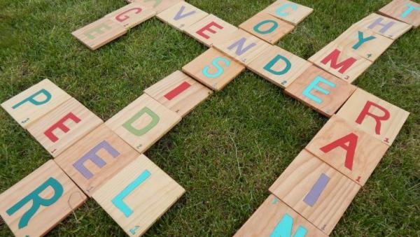 jeux amusants jeu de mots sur la pelouse