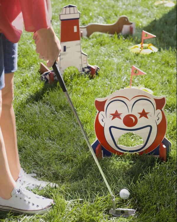jeux amusants mini-golf d'arrière-cour