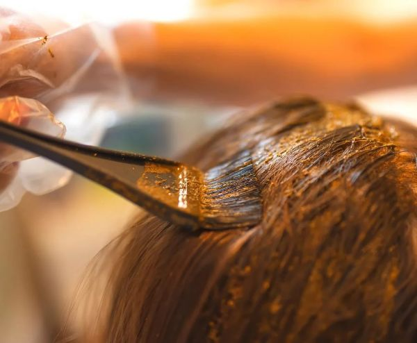 mélange henné coloration henné cheveux sains