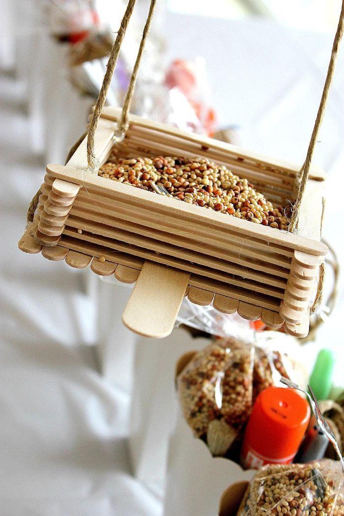 mangeoire oiseau diy bâton de glace en bois
