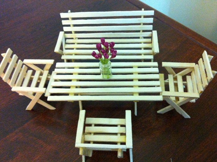 miniatures chaise et table diy avec bâton de glace en bois