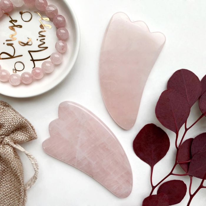 outils de massage en quartz rose gua sha visage